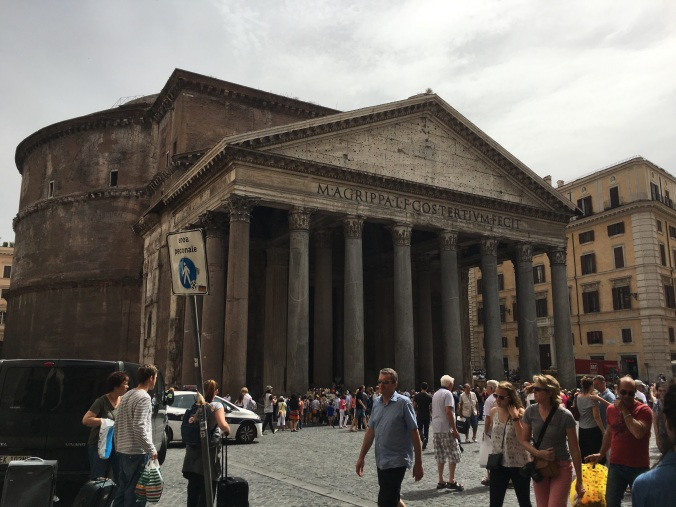Pantheon, rome, roma, italy, travel, travel blog, adventure
