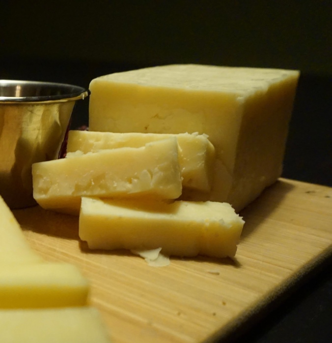 cheese, cheese platter, cheese blog, diy, blog, party, appetizer, cheddar